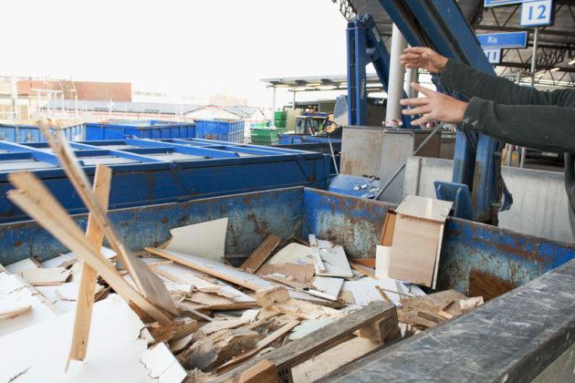 Container för trä