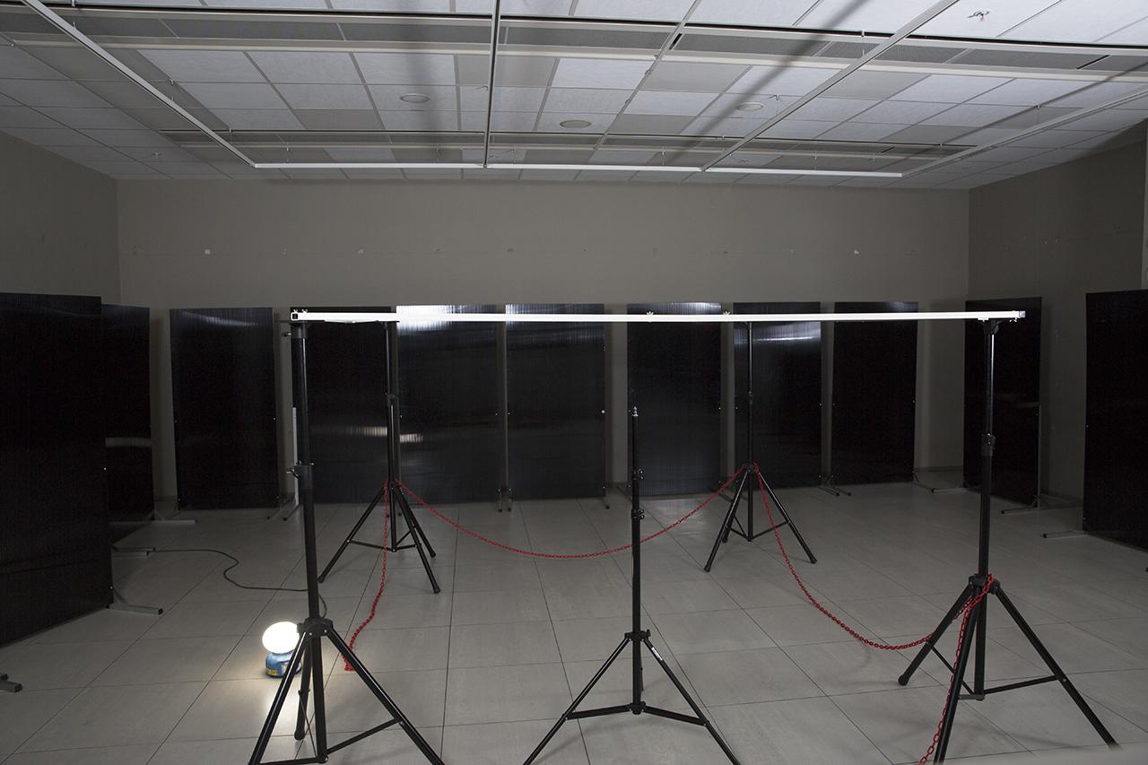 Belysning och hologramtavlor kommer.
