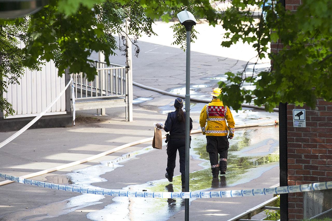 Polis och skadeplatschef.
